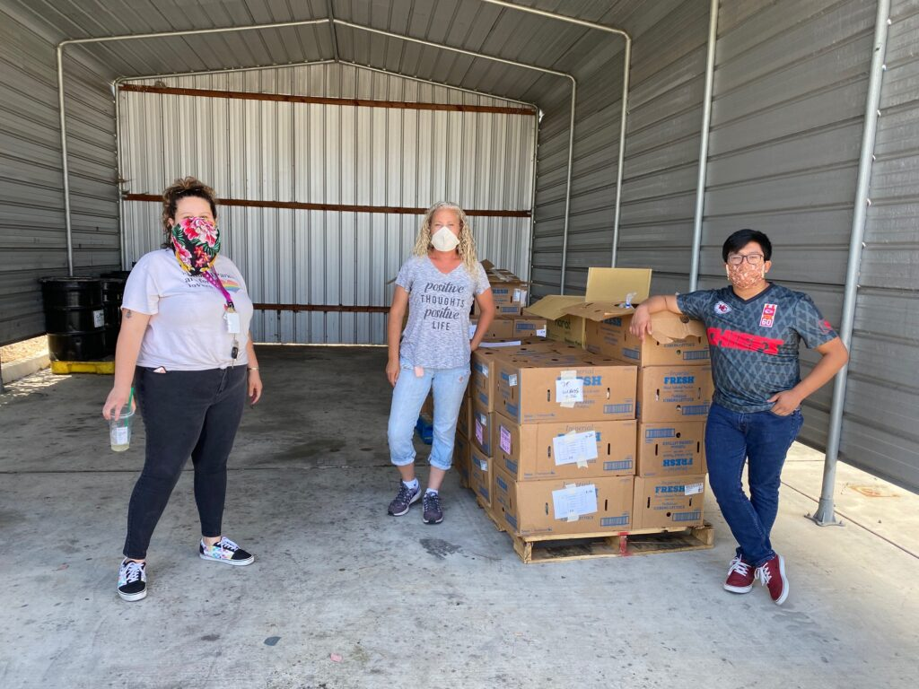 homelessness-and-hunger-outreach-workers-pack-food